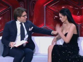 Малахов нагло облапал в Прямом эфире за грудь эскортницу (ВИДЕО)