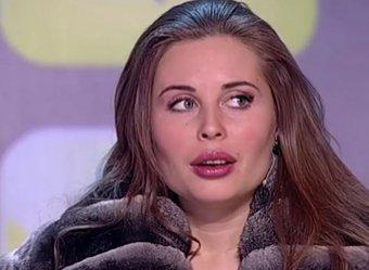 Уральские пельмени показали видео с озабоченной Михалковой, кидающейся на мужиков