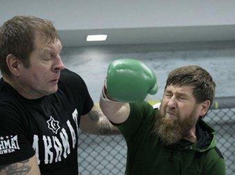 Бил жестко: фото боя Емельяненко с Кадыровым появились в Сети