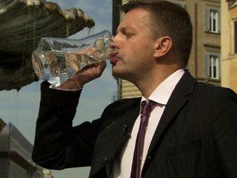 Видео с пьяным Леонидом Парфеновым попало Сеть