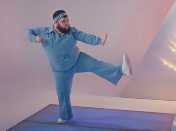 """Восхитившего Запад танцора из клипа Little Big потребовали отправить на """"Евровидение"""""""