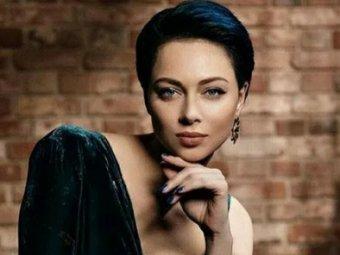Оголилась, а потом в депутаты: Самбурская разделась для мужского журнала, вызвав фурор (ФОТО)