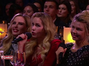 Работать в два микрофона: Харламов и Воля пошло унизили певиц-близняшек в Comedy Club (ВИДЕО)