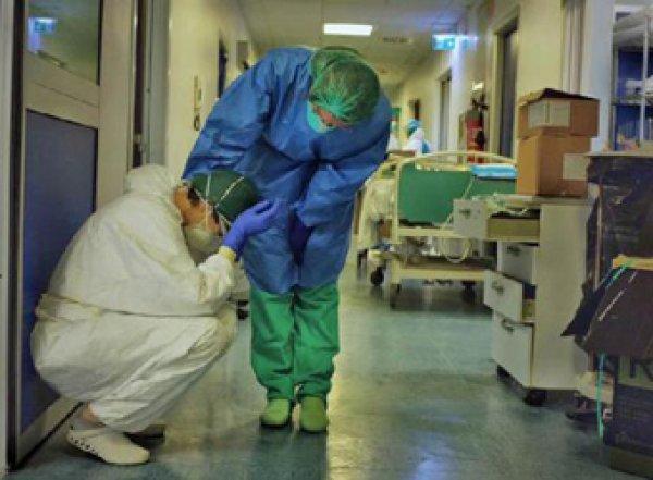 """""""Огромное число будет заболевать"""": российские врачи готовятся к взрывному росту коронавируса"""