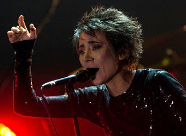 """""""Больше ничего делать не могу"""": запертая на карантин Земфира выпустит первый за семь лет альбом"""