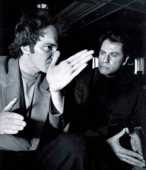 Квентин Тарантино и Джон Траволта во время съемок фильма «Криминальное чтиво», 1993 год