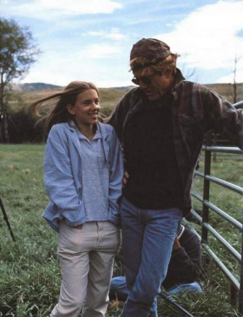 Скарлетт Йоханссон и Роберт Редфорд на съемках картины «Заклинатель лошадей», 1997 год.