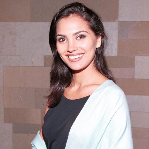 Лара Датта, Индия. «Мисс Вселенная — 2000». 22 года, рост 173 см, параметры фигуры 95−60,5−94,5.