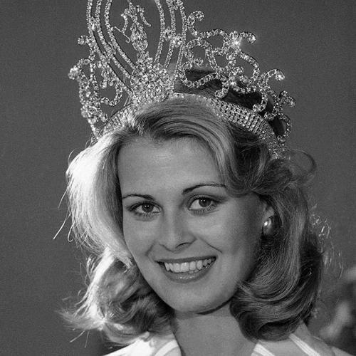 Анна Мария Похтамо, Финляндия. «Мисс Вселенная — 1975». 20 лет, рост 175 см.
