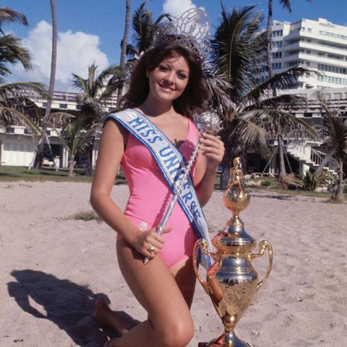 Георгина Риск, Ливан. «Мисс Вселенная — 1971». 18 лет, рост 173 см, параметры фигуры 89−61−89.