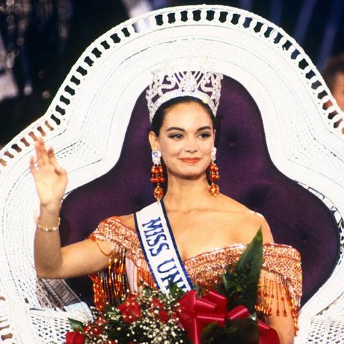 Лупита Джонс, Мексика. «Мисс Вселенная — 1991». 22 года, рост 173 см.