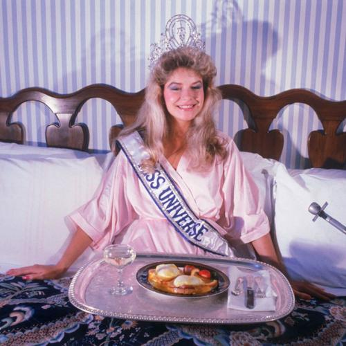 Лорейн Даунс, Новая Зеландия. «Мисс Вселенная — 1983». 19 лет, рост 174 см.