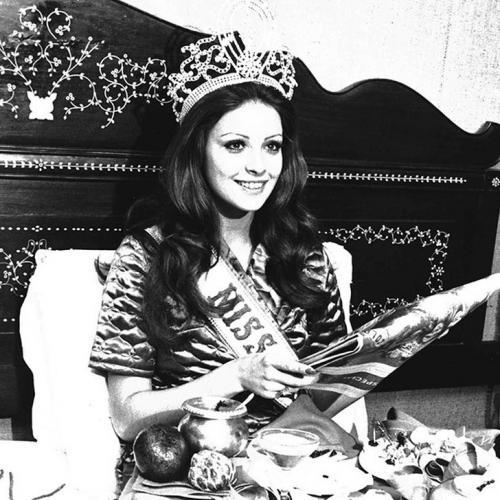 Ампаро Муньос, Испания. «Мисс Вселенная — 1974». 20 лет, рост 173 см.