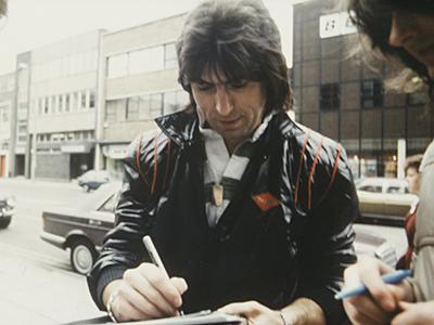 Стоит отметить, что в то время барабанщик жил в Ламбурне, Беркшир, и в момент аварии возвращался в студию для записи с одним из создателей группы Fleetwood Mac, Питером Грином.