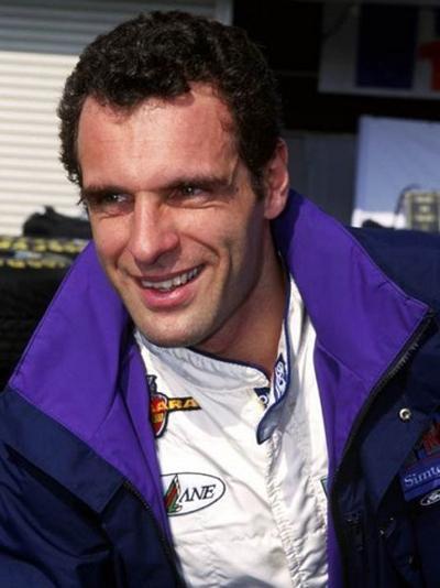Стоит отметить, что в той же гонке днем ранее, 30 апреля, погиб еще один автогонщик - 33-летний австриец Роланд Ратценбергер (Roland Ratzenberger). Его смерть вызвала большой резонанс, так как в течение предыдущих 12 лет на Гран-При Формулы-1 не было жертв.