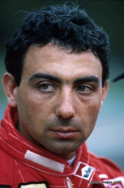 Микеле Альборето (Michele Alboreto), 23 декабря 1956 - 25 апреля 2001 44-летний итальянский автогонщик, вице-чемпион мира 1985 года в классе Формула-1, погиб во время тестов спортпрототипа Ауди-R8 на Лаузитцринге - автодроме в Восточной Германии.