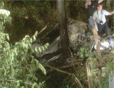 По данным полиции, автомобиль Porsche 911 GT3, зарегистрированный на имя Данна и управляемый им же на высокой скорости, вылетел в лесополосу, врезался в дерево и загорелся.