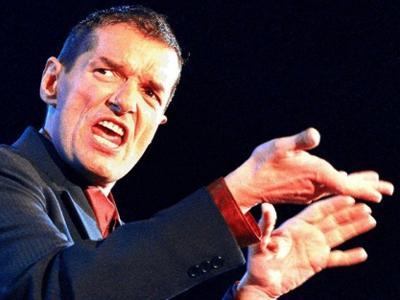 Йоханн Хельцель (Johann Hölzel), 19 февраля 1957 - 6 февраля 1998 40-летней немецкий музыкант, более известный под сценическим псевдонимом Falco, в свое время ставший первым и на данный момент единственным исполнителем, занявшим верхнюю строчку в хит-параде США с песней на немецком языке, погиб в Доминиканской республике.