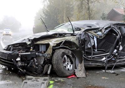 Согласно материалам расследования, губернатор ехал на скорости 142 км/час на день рождения матери в состоянии алкогольного опьянения. В его крови было обнаружено содержание алкоголя, почти в 4 раза превышающее норму.