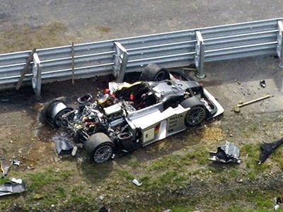 Первые тестовые заезды не выявили никаких технических неисправностей. Погодные условия также были весьма благоприятны. Несмотря на это, гонщик внезапно потерял контроль над автомобилем - машина завертелась и врезалась в отбойник.