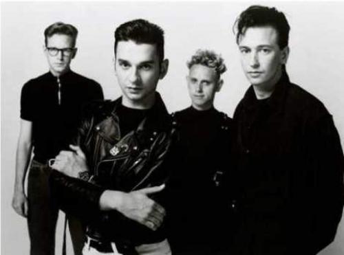Depeche Mode Британский музыкальный коллектив собрался еще в 1980 году и со своими успешными сочетаниями электронной и рок-музыки быстро взобрался на олимп, с которого не думает спускаться.
