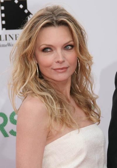 Мишель Пфайфер (Michelle Pfeiffer), 52 года, 2 ребенка.
