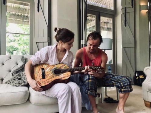 Актеры «Гарри Поттера» поделились интимным фото с совместного отдыха