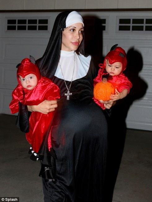 Картинки беременной монахини фото 614-483