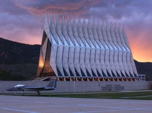 Air Force Academy Chapel, ���