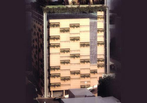 Шесть нижних этажей, часть из которых — подземные, предназначены для парковки многочисленных авто миллиардера, а также его гостей и слуг.