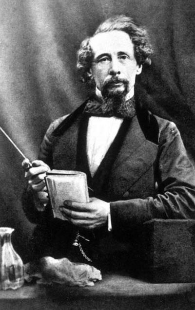 Чарльз Диккенс  выпивал по пол-литра игристого вина. В 1858 году ему поставили диагноз «переутомление» и один добрый доктор разработал для Диккенса специальную диету. Прежде чем встать с постели, писатель выпивал большой стакан сливок с одной-двумя столовыми ложками рома. В полдень он «перекусывал» коктейлем «шерри-коблер» и бисквитом. В три часа по расписанию следовало шампанское — пол-литра. Между пятью и восемью вечера, перед лекциями, следовало съесть яйцо, взбитое с шерри.
