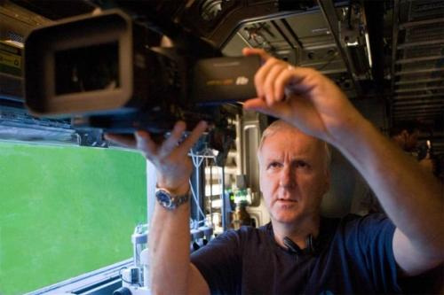 Легендарный кинорежиссёр Джеймс Кэмерон по праву может собой гордиться. Несмотря на скандалы с участием Кэмерона, когда он прибивал гвоздём к стене чужой сотовый телефон или доводил актрис до истерик, его репутация как создателя самых кассовых фильмов в истории кинематографа остаётся высока.