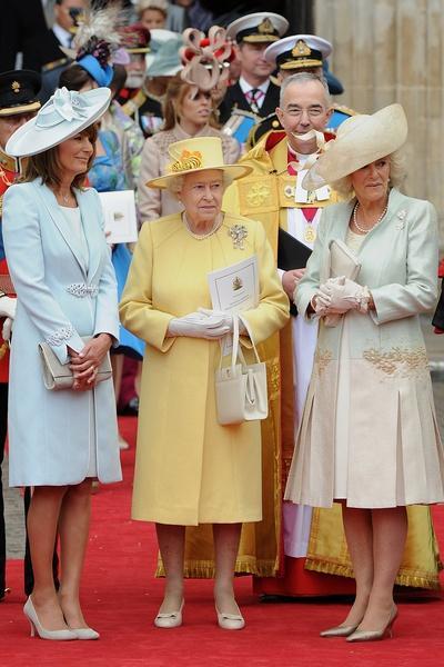 Самые дурацкие наряды королевской свадьбы