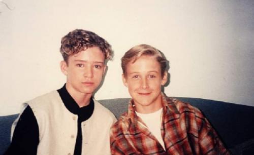Райан Гослинг и Джастин Тимберлейк стали друзьями еще в девять лет, когда оба явились на прослушивании американского телевизионного шоу Mickey Mouse Club, которое в итоге и вели вместе.