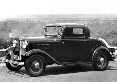 29. 1932 Ford Three-Window Coupe