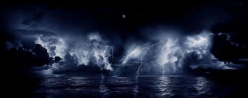 Молнии Кататумбо. Сверкающие вспышки над водой возникают в течение 140-160 ночей в году, десяти часов за ночь и до 280 раз за один час.
