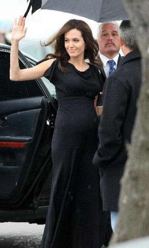 Анджелина снова беременна