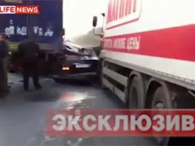 Автомобиль Mercedes, за рулем которого находился нетрезвый спортсмен, врезался в стоявший на проезжей части грузовик Volvo. Авария произошла на 572-ом километре федеральной трассы Москва-Уфа.