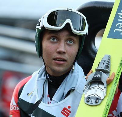 Павел Карелин (27 апреля 1990 - 9 октября 2011) 21-летний российский прыгун с трамплина, мастер спорта России международного класса, погиб в автокатастрофе с участием четырех машин на своей родине, в Нижегородской области.