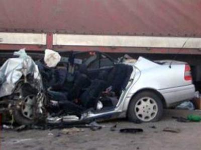 Автомобиль Mercedes, в котором ехал Кулешов, врезался в стоящую у обочины фуру на 1-ой Фрезерной улице. Анатолий скончался на месте. Его водитель был госпитализирован с тяжелыми травмами.