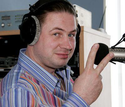 Геннадий Бачинский (1 сентября 1971 - 12 января 2008) 36-летний российский радио- и телеведущий, главный продюсер дирекции радиовещания ВГТРК и генеральный продюсер радио «MAXIMUM» погиб в автокатастрофе в Тверской области на 69-ом километре автодороги Р104 Калязин - Сергиев Посад.