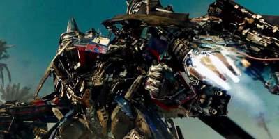 8. Трансформеры Смесь живых трюков со спецэффектами и ностальгия  по 80-м дали в сумме чуть менее 4 миллиарда за  четыре фильма франшизы.  Трансформеры 5 ожидаются в 2017 году.