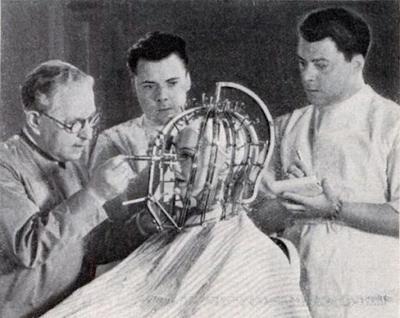 Агрегат для измерения параметров головы и записи контуров лица (1933)