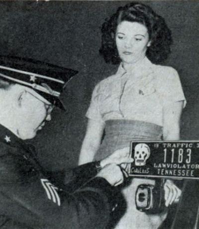 Автомобильные номера со специальными опознавательными знаками для злостных нарушителей (США, 1939)