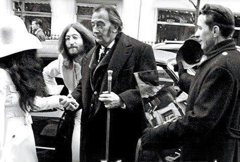 Джон Леннон и Сальвадор Дали. Париж, 1969 г.