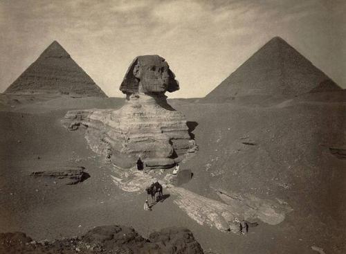 Частично раскопанный Великий Сфинкс из Гизы. Египет. Конец 19 века.
