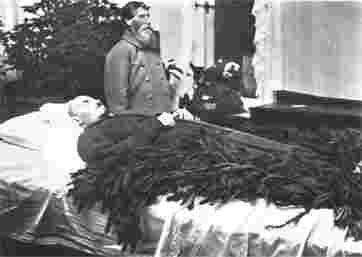 Владимир Ильич Ленин умер в январе 1924 года...