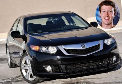1. Марк Цукерберг<br /> Если вы думаете, что человек, создавший Facebook, будет тратить бешеные деньги на роскошные автомобили, то ошибаетесь. Состояние Марка Цукерберга оценивается в $46,5 млрд.</p> <p>Марк приобрёл дом в Пало-Альто за $7 млн, но на автомобиль в том же году потратил всего $30000, купив Acura TSX. Этот компактный автомобиль представительского класса производства Японии продавался с 2004 по 2014 год.