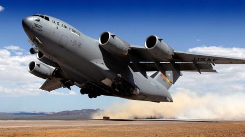 5. C-17A Globemaster IIIСтоимость 328 млн долларов C-17A Globemaster III входит в десятку самых дорогих самолетов в мире со стоимостью в 328 миллионов долларов за единицу. Воздушное судно от компании Boeing является одним из самых больших военных самолётов. Производство серии велось с 1991 по 2015 год, всего было выпущено 270 единиц. В настоящее время C-17A Globemaster III находится на военно-воздушном вооружении США, Австралии, Великобритании, Канады, ОАЭ, Индии и многих других государств. В задачи воздушной машины входит выполнение тактических и стратегических операций, транспортировка военных грузов и войск, а также эвакуация раненых.