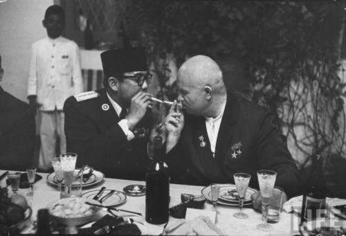 Хрущёв и президент Индонезии Сухарто
